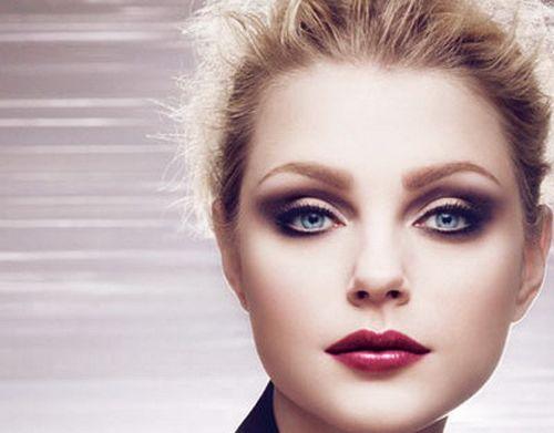 Изящная красота блондинки видео