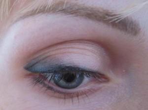 Перманентный макияж век стрелки с растушевкой